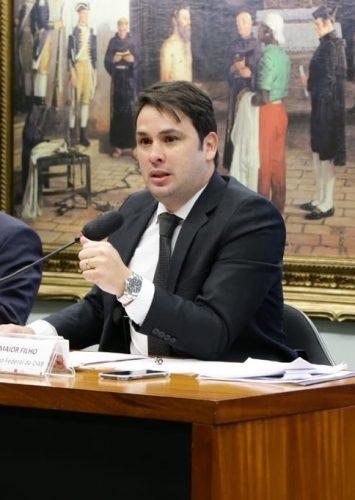 Comissão da OAB participa de debate sobre candidaturas avulsas nas eleições brasileiras